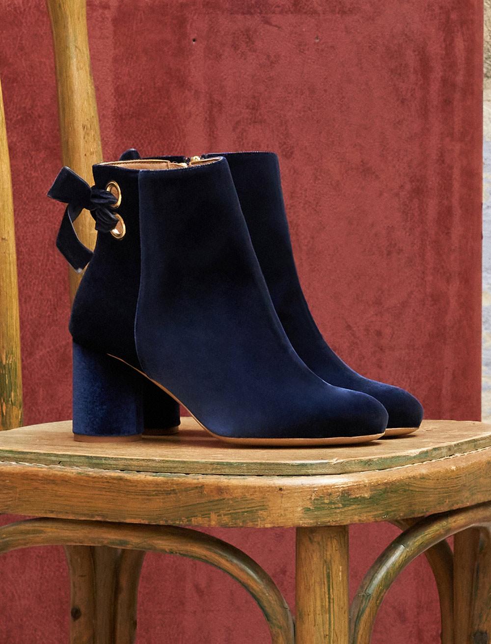 Emma Heeled Ankle Boots - Velvet blue