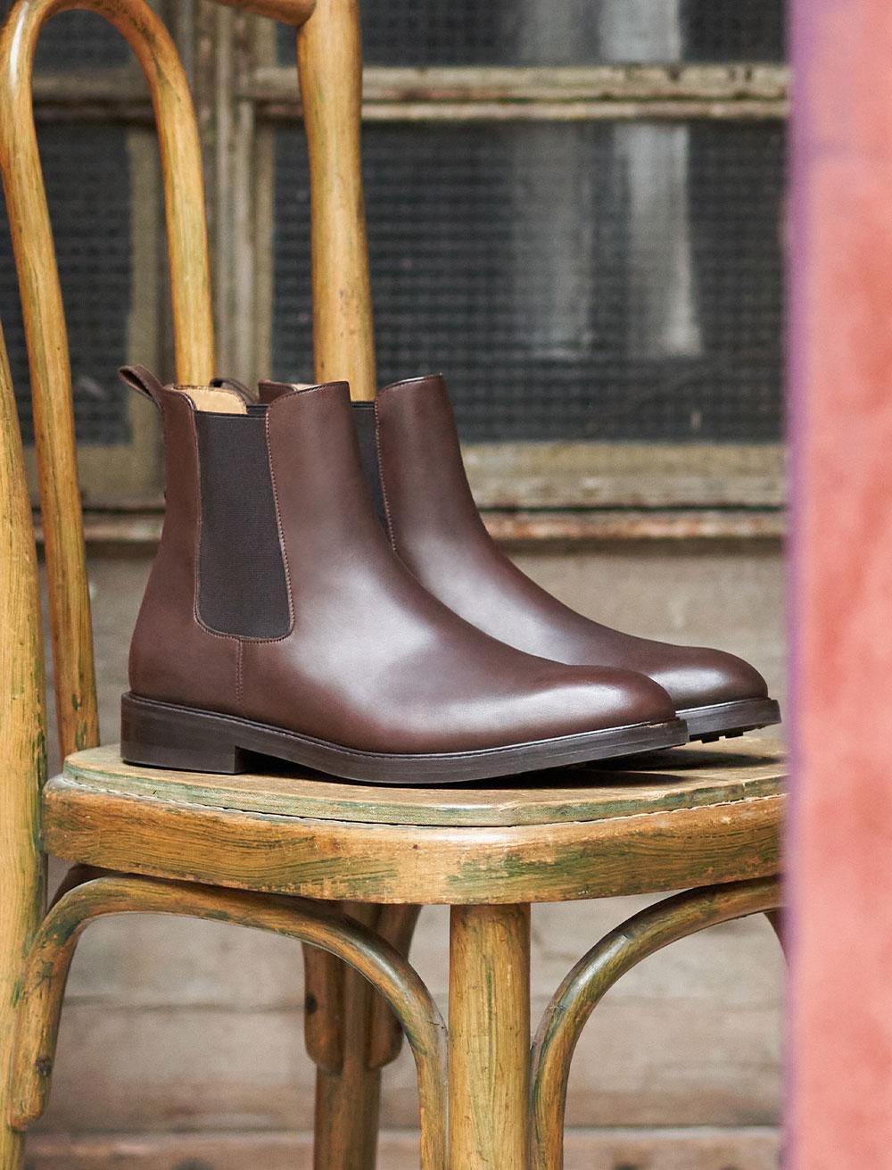 Classic Chelsea boots - Ebony