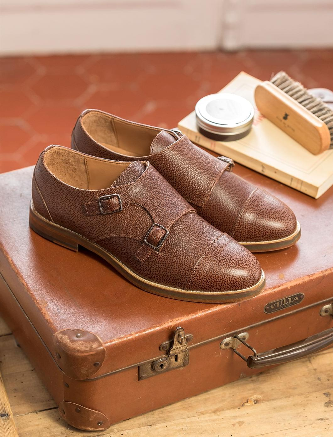 Derbies with double buckle - Grained chocolate